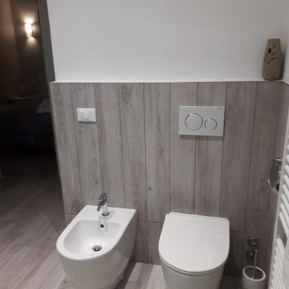 Angolo bagno della camera singola Reggiolacittainvisibile